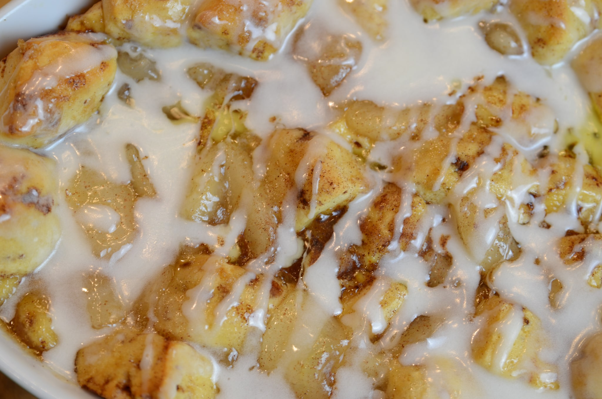 apple cinnamon roll bake