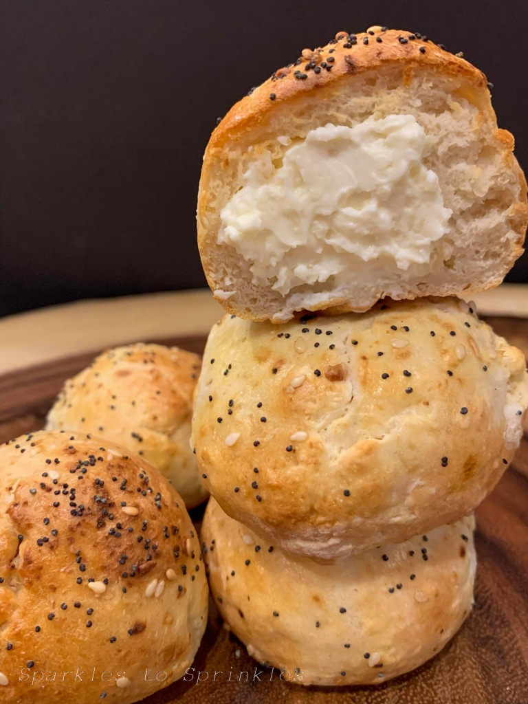 air fryer copycat dunkin donuts stuffed bagel minis