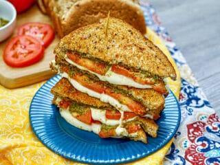 air fryer tomato pesto fresh mozzarella grilled cheese