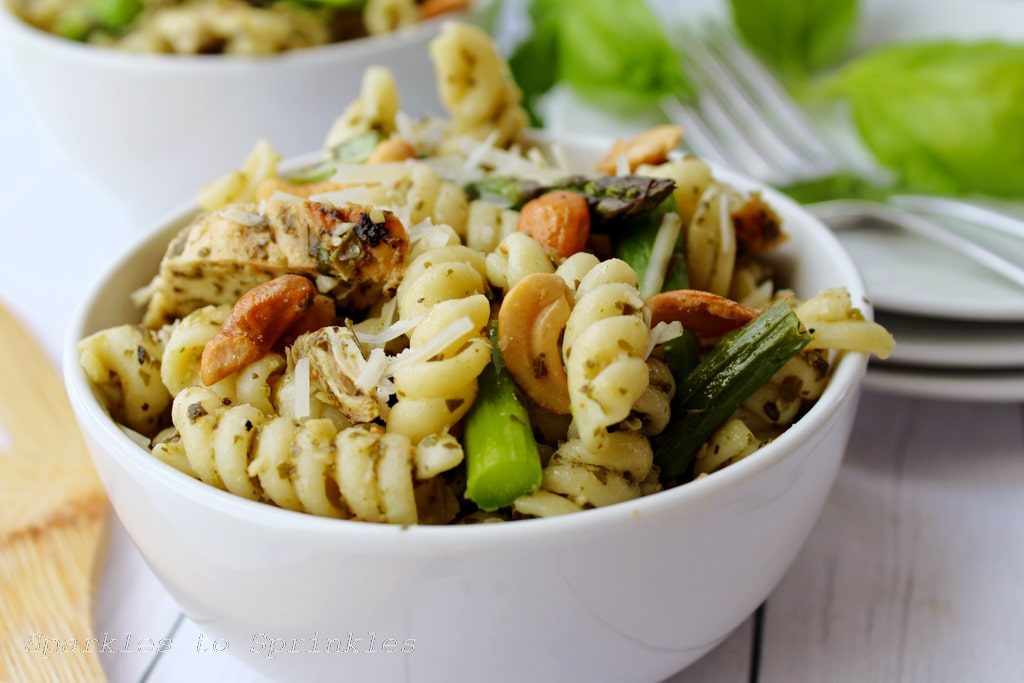 Grilled chicken and asparagus pesto pasta