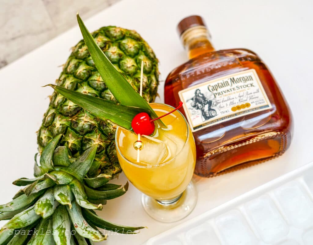 captain & pineapple cocktails